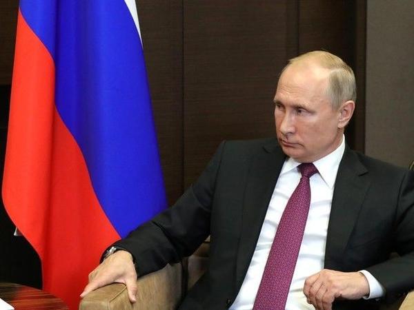 Putin növbəti prezidentlik müddətinə dair sualı cavablandırıb