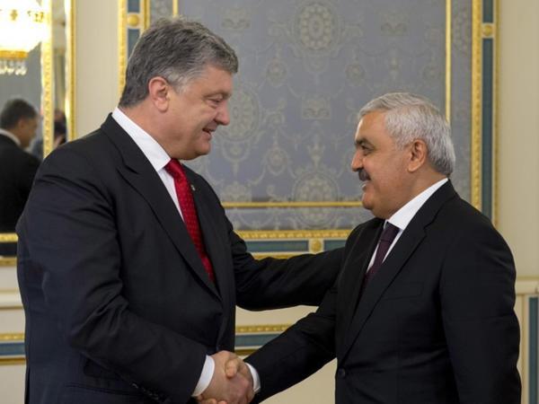 Rövnəq Abdullayev Poroşenko ilə görüşdü