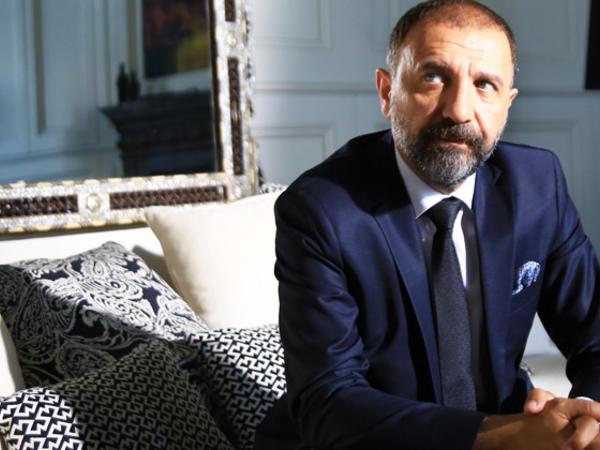 Məşhur türkiyəli aktyor Bakıda - FOTO