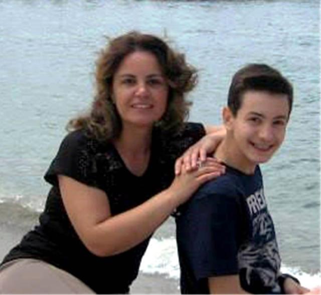 17 yaşlı oğlan valideynlərini öldürüb, intihar etdi - FOTO
