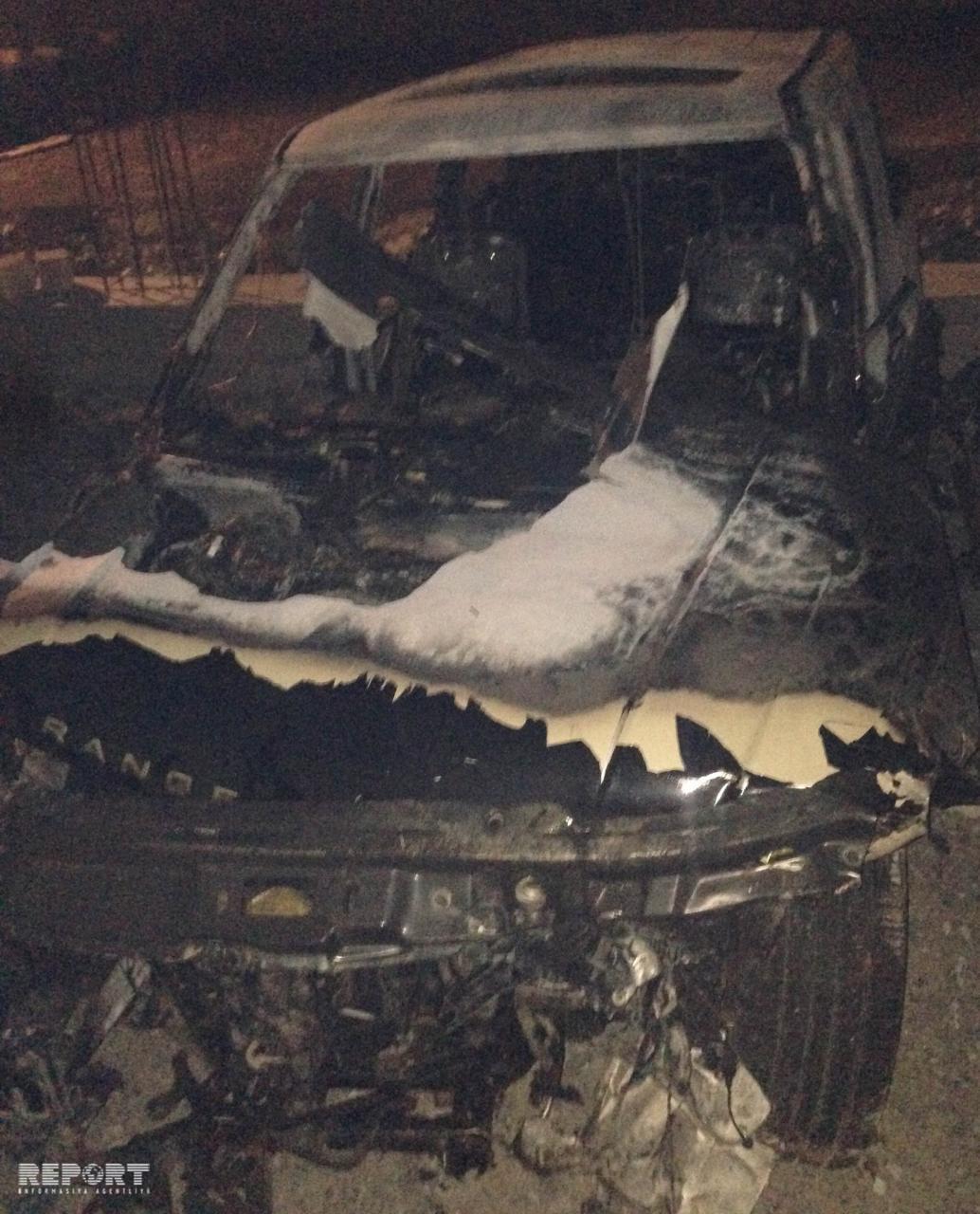 Bakıda iki maşının toqquşması nəticəsində yanğın baş verib, 2 nəfər ölüb - FOTO