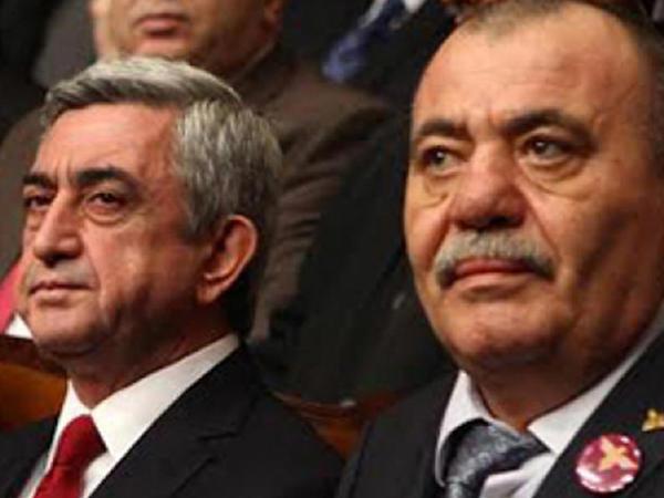 """Ermənistanda """"sürünən çevriliş"""" və ya """"milli qəhrəman""""ın biabırçı sonu"""