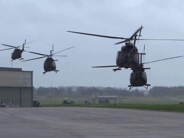 Azərbaycan HHQ-nin Amerika istehsalı olan bu helikopterləri ilk dəfə paradda uçacaq - FOTO