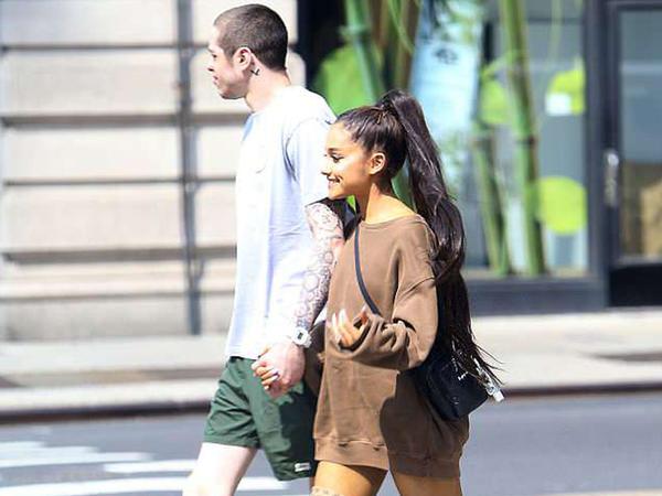 Ariana Qrande sevgilisi ilə yaşayır - FOTO
