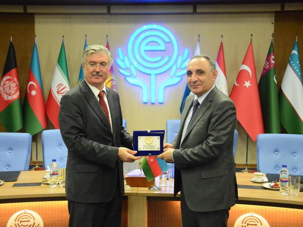 Azərbaycanla İran korrupsiyaya qarşı mübarizə sahəsində memorandum imzalayıb - FOTO