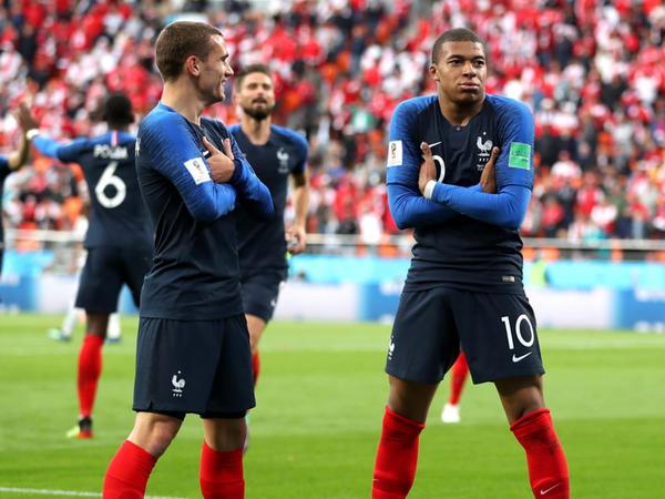 """DÇ: Fransa 1/8 finalda, Peru mundialla vidalaşdı - <span class=""""color_red"""">YENİLƏNİB - VİDEO - FOTO</span>"""