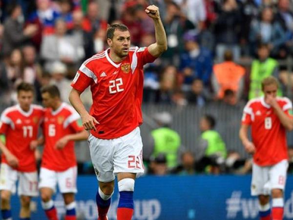 Rus futbolçular milyonlar qazandılar