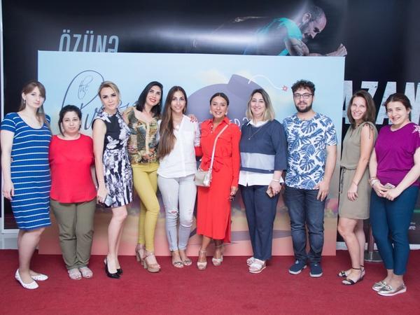 """CinemaPlus Gənclik Mall-da Elvin Novruzun """"Dərdverən"""" klipinin təqdimatı keçirilib - FOTO"""