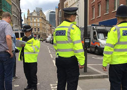 """SON DƏQİQƏ: Qatarda üzərində bomba quraşdırılmış sərnişin tutuldu - <span class=""""color_red"""">Londonda - YENİLƏNİB - VİDEO</span>"""