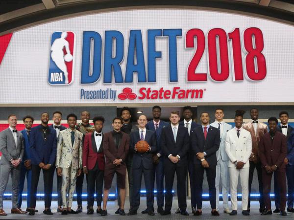 """NBA draftı: """"Finiks"""" Eytonu seçdi, Donçiç """"Dallas""""da"""