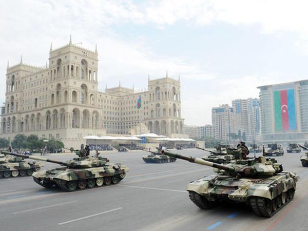 Bakı hərbi parada hazırlaşır - VİDEO - FOTO