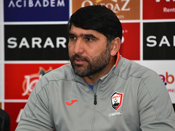 """""""Düz yoldayıq"""" – <span class=""""color_red""""> Sənan Qurbanov</span>"""