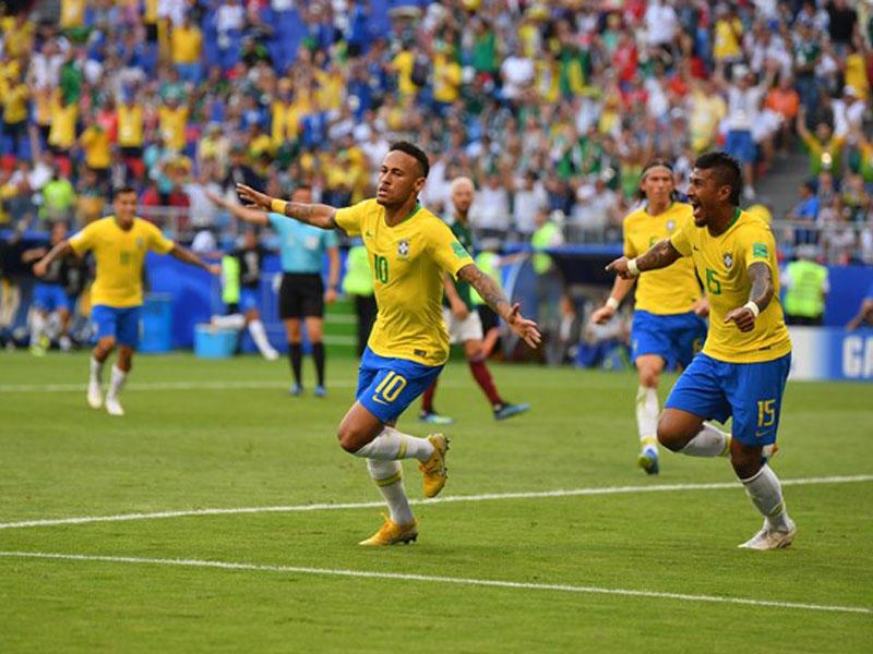 Braziliya Meksikanı məğlub edir - FOTO