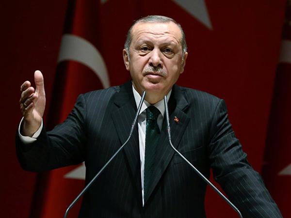 Ərdoğan Donald Trampın çıxışı zamanı salonu tərk ETMƏYİB