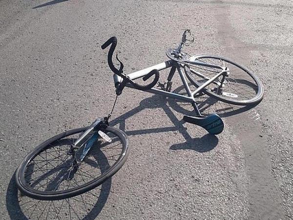 """Bakıda """"Mercedes"""" velosipedçini xəstəxanalıq etdi"""