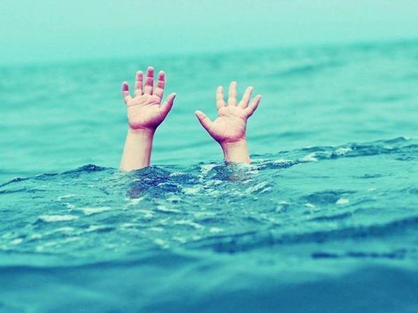 Tələbə dənizdə boğuldu