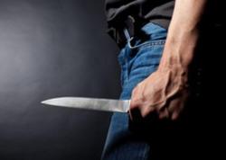 Yevlax sakini bıçaqlandı