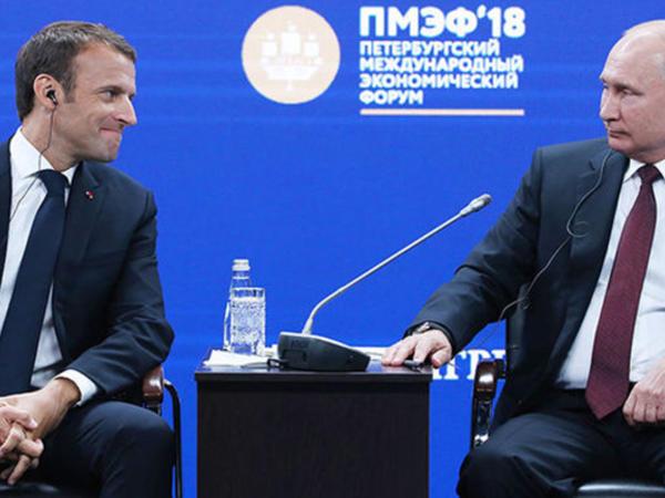 Putinlə Makron Kremldə görüşdü