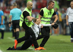 """Mundialın finalındakı qalmaqal: <span class=""""color_red"""">kim və niyə yaratdı? - VİDEO - FOTO</span>"""
