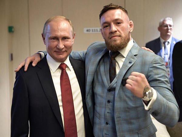 """İrlandlı Putinə """"Dövrümüzün ən böyük lideri"""" dedi, <span class=""""color_red"""">ingilislər özündən çıxdılar - FOTO</span>"""