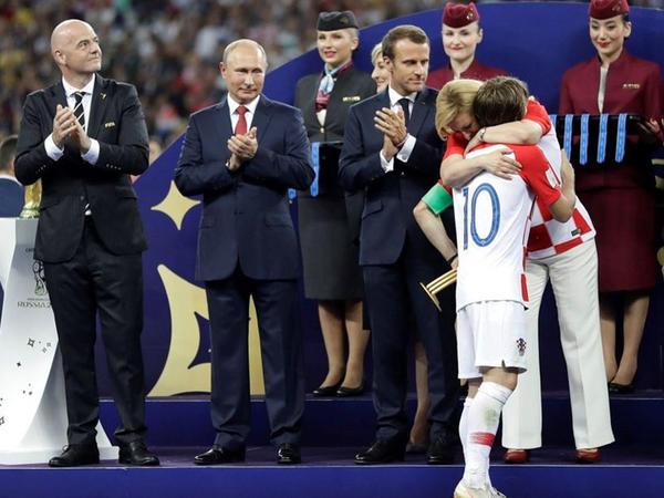 Xorvatiya prezidenti  Luka Modriçdən daha populyar olub