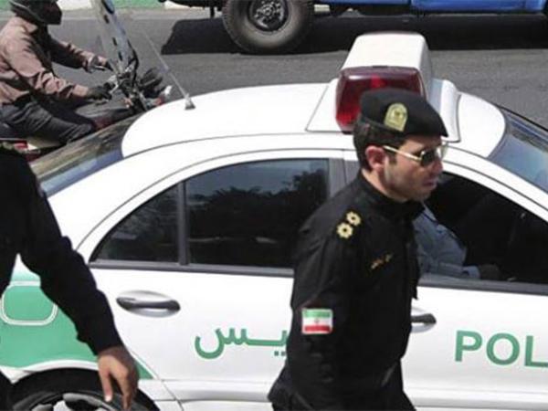 """İranda 8 qadın saxlanıldı - <span class=""""color_red"""">""""İnstagram""""a şəkil yerləşdirdiyi üçün</span>"""