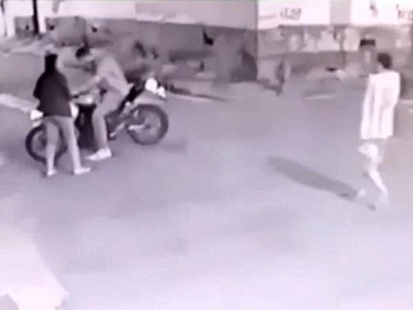 Nişanlısını ötürən polis zabiti 2 qulduru güllələdi - VİDEO - FOTO