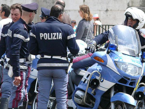 """İtaliyada ƏMƏLİYYAT - <span class=""""color_red"""">31 qaraçı cinayətkar saxlanıldı</span>"""