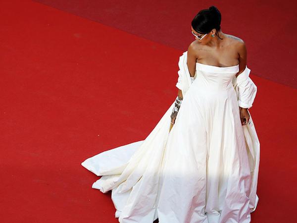 """Dünyanın ən çox pul qazanan <span class=""""color_red""""> məşhur qadınları - FOTO</span>"""