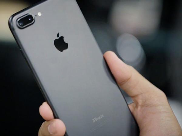 135 metr hündürlükdən düşən smartfon qırılmadı - VİDEO