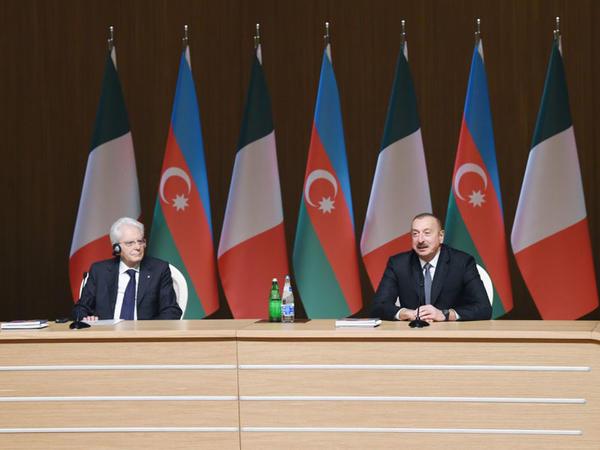 Azərbaycan və İtaliya prezidentləri Bakıda biznes forumda iştirak ediblər - FOTO