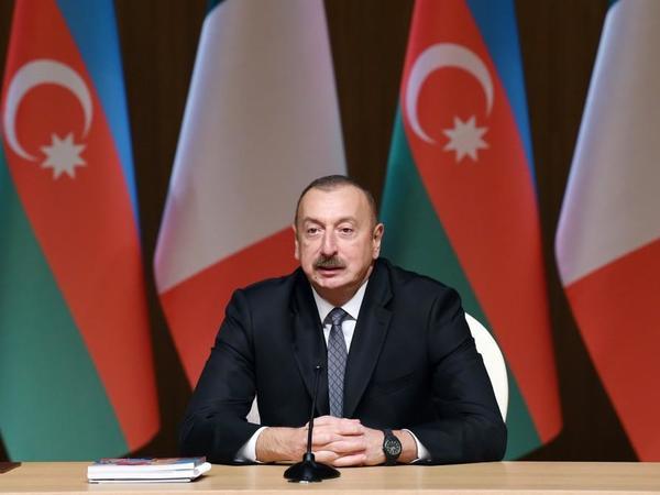 """Prezident İlham Əliyev: """"Azərbaycan həm siyasi, həm də iqtisadi cəhətdən çox sabit ölkədir"""""""