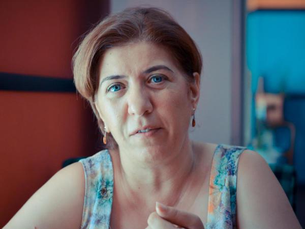 """""""Meşə allahına sitayiş edir və..."""" - Xaricdə yaşayan tanınmış azərbaycanlı aparıcı"""