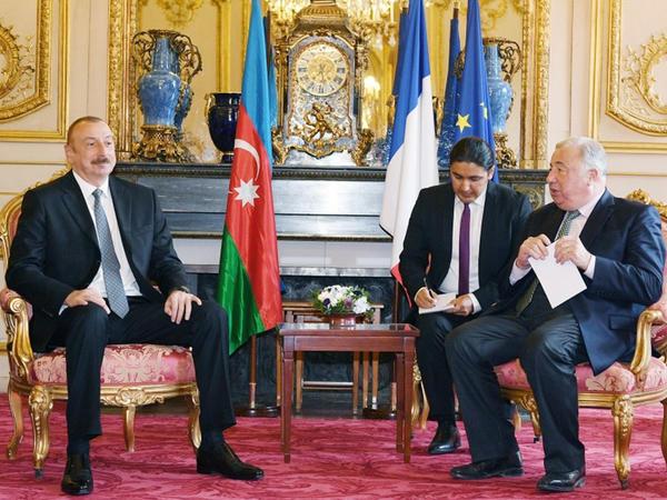 Prezident İlham Əliyev Fransa Senatının sədri Jerar Larşe ilə görüşüb - FOTO