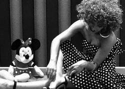 """""""50 yaşındayam, evdə 3 kamaz Mickey Mouse var"""" - <span class=""""color_red"""">Röyadan ağ-qara fotolar</span>"""
