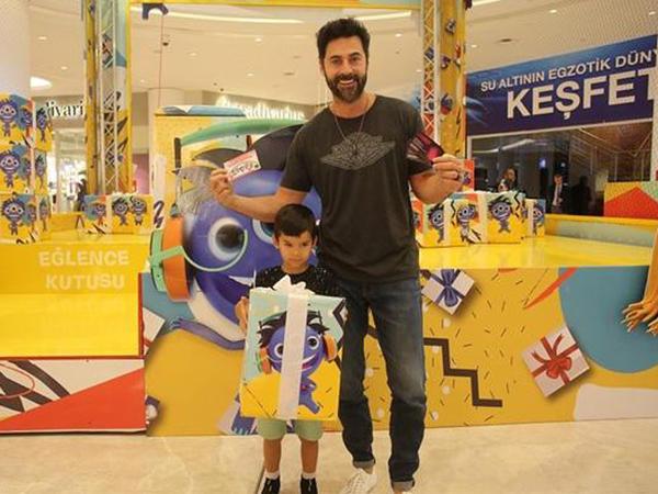 Kıvanç oğlu ilə - FOTO