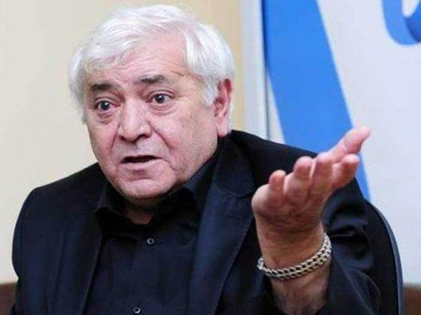 """""""Kamran Quliyev niyə istefa vermir?"""" - <span class=""""color_red"""">Aqil Abbas</span>"""