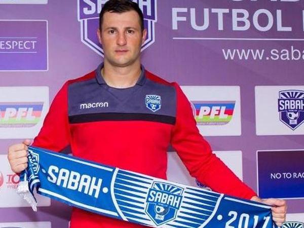 """Saşa Stamenkoviç rəsmən """"Sabah""""da"""