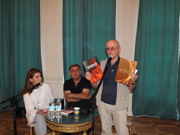 Gürcüstanda ilk dəfə Azərbaycan və gürcü dillərində iki jurnal çapdan çıxıb - FOTO