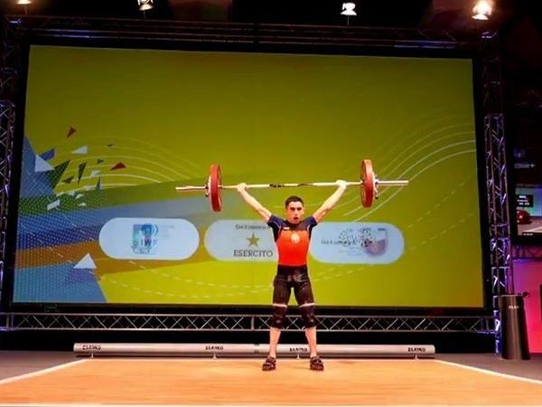 Yeniyetmə atletimiz Avropa çempionu oldu - FOTO