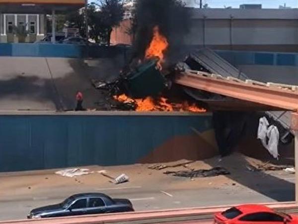 Sürücü yanan yük maşınından son anda çıxdı - VİDEO