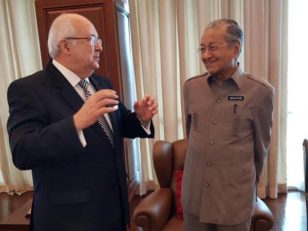 Malayziyanın Baş naziri Nizami Gəncəvi Beynəlxalq Mərkəzinin fəaliyyəti ilə maraqlanıb - FOTO