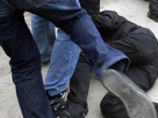 Bərdədə 28 yaşlı gənc naməlum şəxslər tərəfindən bazarda ölümcül döyüldü