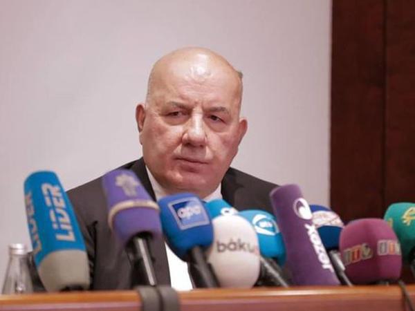 Elman Rüstəmov manatın məzənnəsi ilə bağlı PROQNOZ verdi