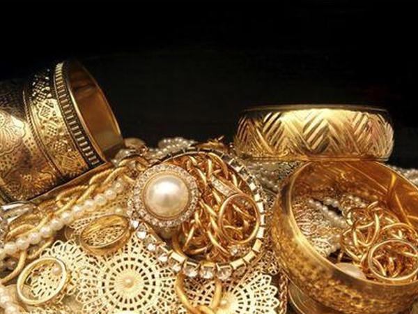 Ölkədə qızıl ucuzlaşdı, gümüş bahalaşdı