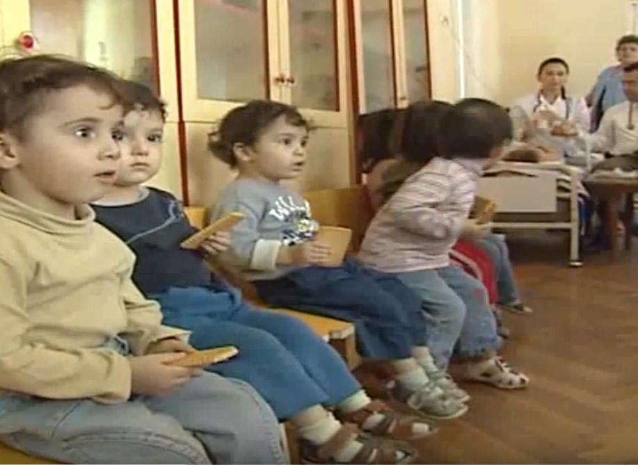 Uşaqlar məcburi tibbi müayinədən keçiriləcək