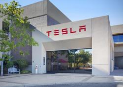 """Elon Musk, Tesla.com domeninin qiymətini açıqladı - <span class=""""color_red"""">Fantastik məbləğ</span>"""