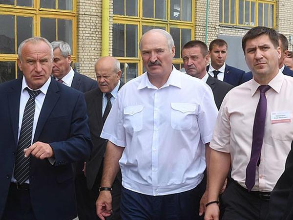 Lukaşenko iki naziri qovdu - Birini də zavoda göndərdi - YENİLƏNİB - VİDEO