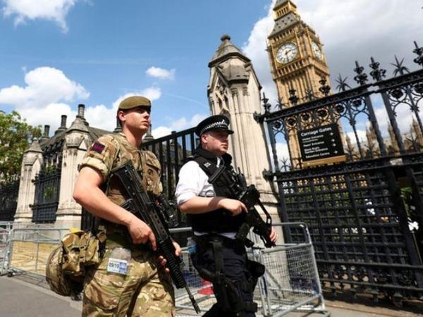 London parlamentin qarşısında baş verən insidentin terror aktı olduğunu tam təsdiq etməyib