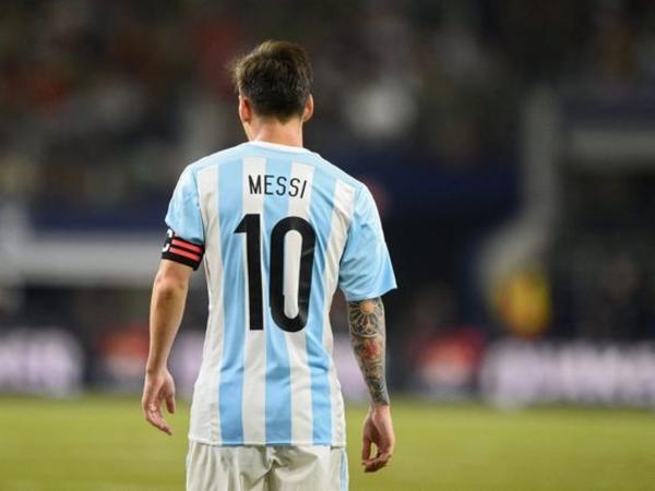 Lionel Messi Argentina millisindəki karyerasını dondurub